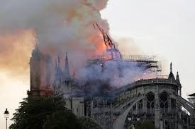 Parigi: la Cattedrale di Notre Dame in fiamme 15 aprile