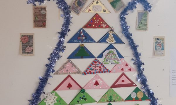 "Progetto E-twinning: ""Christmas is in the air"". E-Book, video e cartellone"