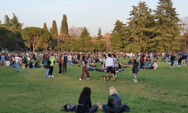 Pasqua in lokdown e la rivolta dei giovani